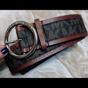 Michael Kors authentic belt size M